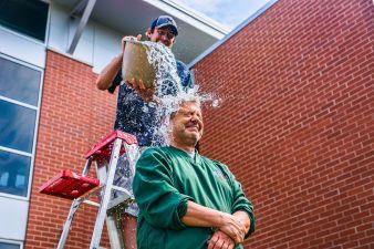 ice bucket challenge helps als